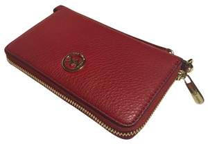 Michael Kors Cach Wristlet in Red