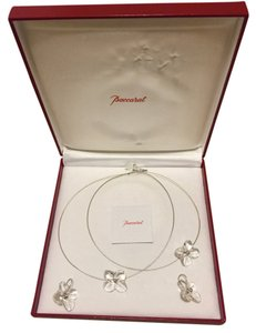 Baccarat Baccarat Hortensia Three Flower Necklace And Earrings