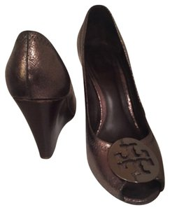 Tory Burch metallic bronze/grey Wedges