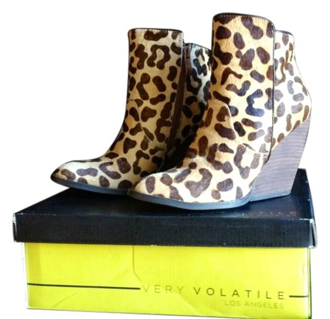 Item - Tan Brown and Beige Leopard Feverdream Boots/Booties Size US 6 Regular (M, B)