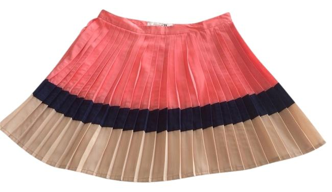 Preload https://item2.tradesy.com/images/forever-21-pink-pleated-mini-size-4-s-27-920516-0-0.jpg?width=400&height=650
