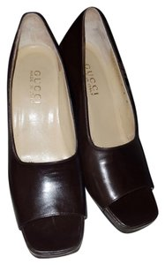 Gucci chocolate brown Pumps
