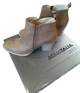 Aquatalia by Marvin K. Made In Italy Weatherproof Mushroom Boots