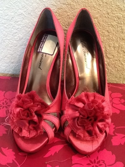 Lulu Townsend Pink Pumps