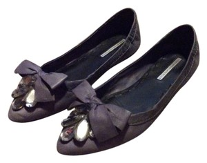Vera Wang Lavender Label Embellished Bejeweled Gray Flats