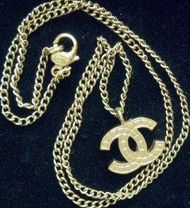 Chanel Authentic CHANEL CC Logo Gold Necklace