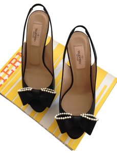 Valentino Pearls Black Pumps