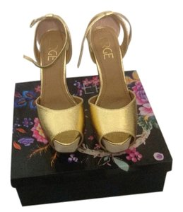 Erge Gold Wedges