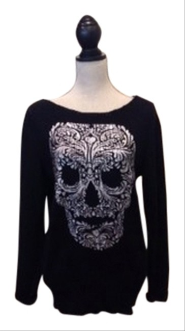 Preload https://item4.tradesy.com/images/divided-by-h-and-m-sweaterpullover-size-8-m-922463-0-0.jpg?width=400&height=650