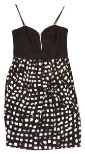 W118 by Walter Baker Sweetheart Night Out Party Dance Sweetheart Neckline And White Zippered Tulip Skirt Lbd Girls Night Out Party Dress