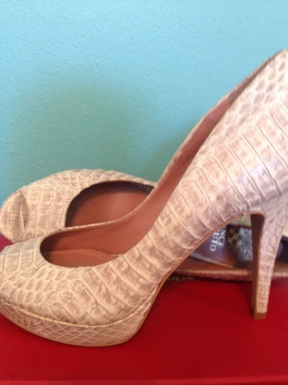 Vince Camuto Summer White Grey Renees Pumps