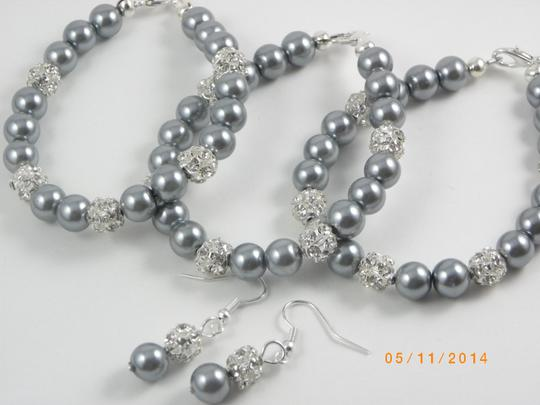 Preload https://item5.tradesy.com/images/grey-of-8-bracelet-and-earrings-bridesmaid-pearl-bridesmaid-bracelet-pink-pearl-bracelet-jewelry-set-923584-0-0.jpg?width=440&height=440
