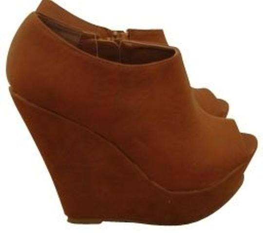 Preload https://img-static.tradesy.com/item/924/forever-21-brown-leather-bootsbooties-size-us-9-regular-m-b-0-0-540-540.jpg