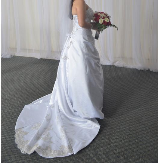 David's Bridal White Satin V9665 A-line with Drape Traditional Wedding Dress Size 8 (M)