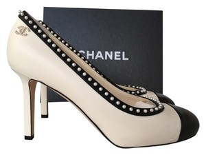 Chanel Black Leather WHITE/BLACK Pumps
