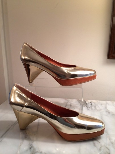Cosmic Wonder Unusual Rare Japan Platforms Gold Pumps