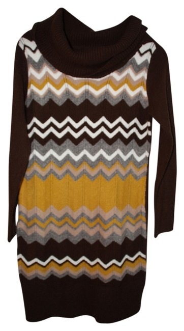 Preload https://item5.tradesy.com/images/vertigo-paris-coffee-cowl-neck-zig-zag-sweater-knee-length-short-casual-dress-size-12-l-925284-0-0.jpg?width=400&height=650