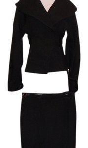 Dolce&Gabbana DOLCE & GABANNA FAB JACKET WITH LARGE COLLAR, ZIPPERS ON SIDE WOT PENCIL SKIRT, ANIMAL PRINT LINING $2490.00