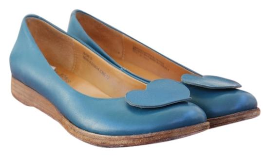 Preload https://img-static.tradesy.com/item/925502/kork-ease-blue-amazing-detail-leather-with-heart-on-the-toe-flats-size-us-6-0-0-540-540.jpg