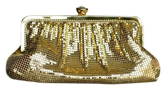 Preload https://item1.tradesy.com/images/whiting-and-davis-evening-gold-brass-mesh-clutch-925710-0-0.jpg?width=440&height=440