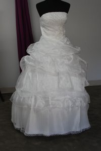1204 Wedding Dress
