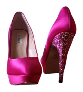 Steve Madden Fushia Formal
