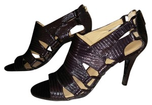 Nine West Dressy Casual Snakeskin Black Pumps