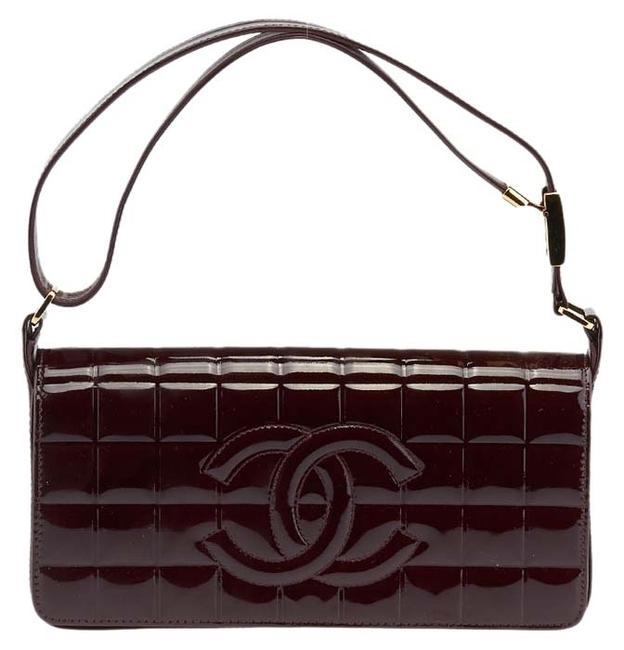 Item - East West Burgundy Chocolate Bar Quilted (62832) Brown Patent Leather Shoulder Bag