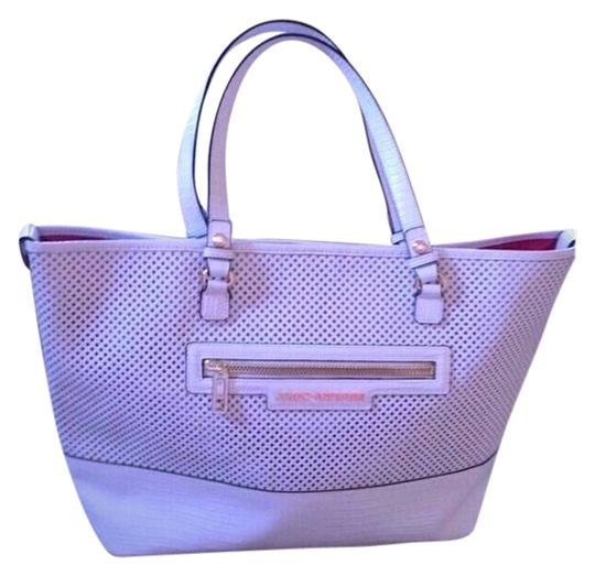 Preload https://img-static.tradesy.com/item/926525/juicy-couture-yhruo226-white-tote-0-0-540-540.jpg