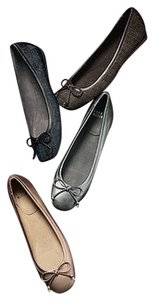 Stuart Weitzman Leather Pewter Flats