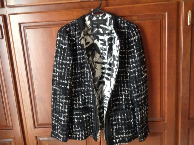 Elie Tahari Light Weight Would Look Great With A Tank Black Jacket
