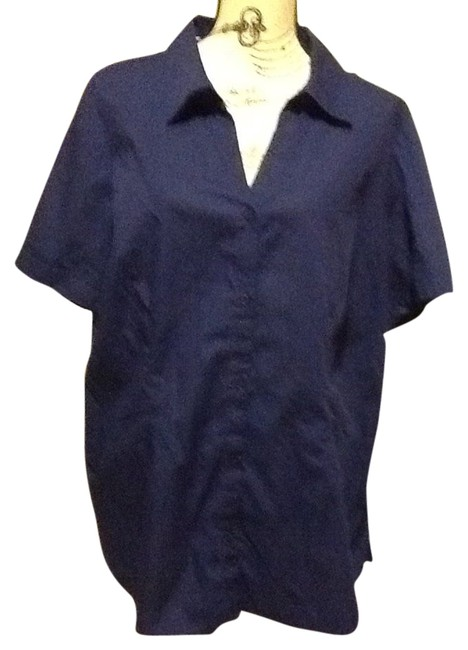 Item - Navy Collar Slit Sides Short Sleeve Button Sleeve Comfortable Loose Fitted Office Relaxed Fit Casual Professional Button-down Top Size 24 (Plus 2x)