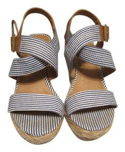 Merona Summer 6 Navy and White stripe Wedges