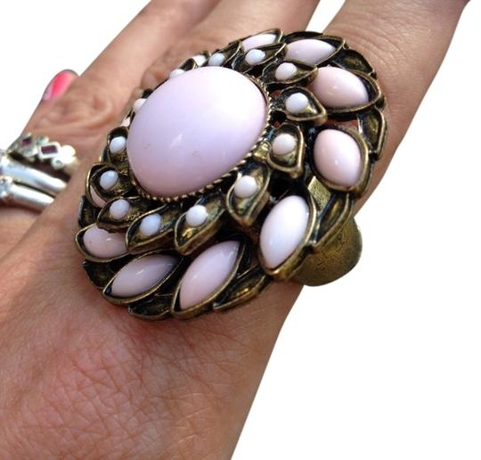 Preload https://img-static.tradesy.com/item/928028/pink-new-faux-pearl-and-brass-statement-stretch-ring-0-0-540-540.jpg