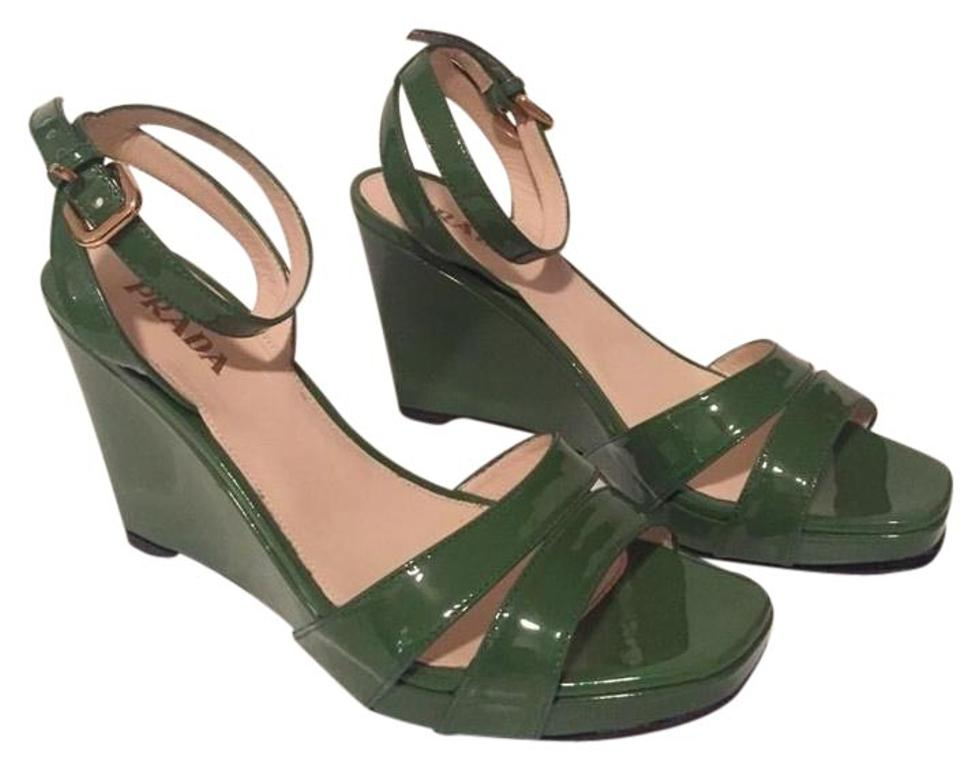 Prada Green Patent Patent Green Leather Wedges Sandals 1586d0
