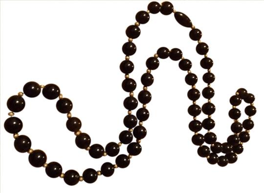 Other black bead necklace