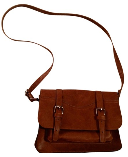 Preload https://img-static.tradesy.com/item/928556/mossimo-supply-co-over-brown-faux-leather-cross-body-bag-0-0-540-540.jpg
