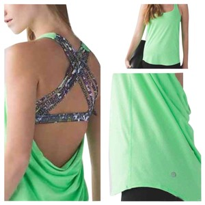 Lululemon New With Tags Lululemon Wild Tank Green Floral Size 6