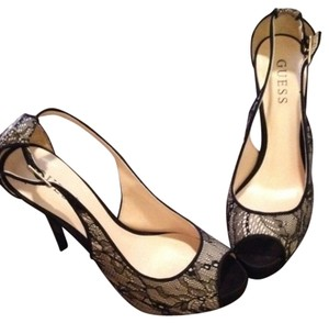 Guess Cream with black lace overlay Pumps