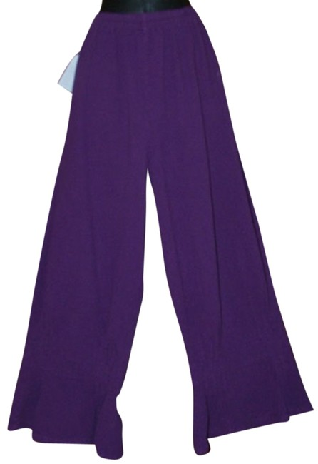 Preload https://item3.tradesy.com/images/purple-funky-pin-tuck-relaxed-fit-pants-size-6-s-28-929697-0-0.jpg?width=400&height=650