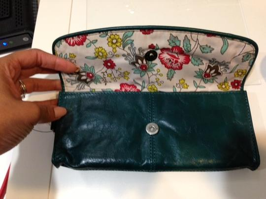 Latico Dark Green EMD Clutch