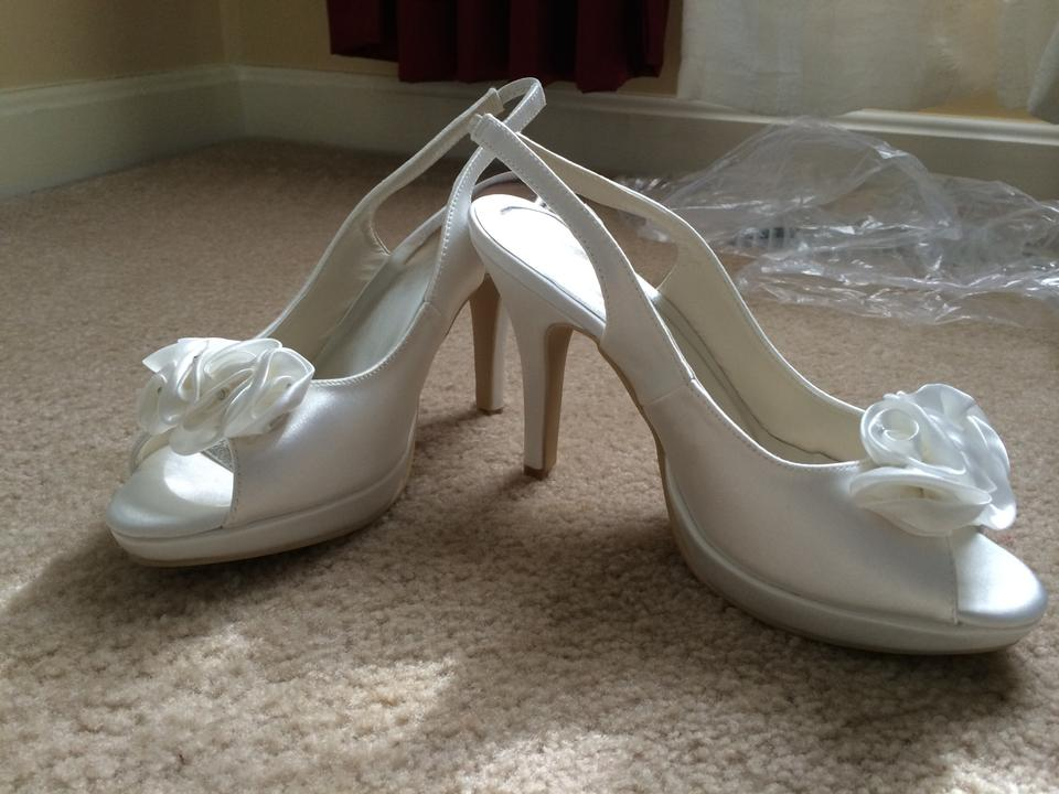 Toe Back Peep Sling Pumps Ivory Ca5WZW