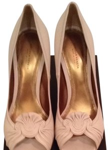 Bottega Veneta Bone. Beige. Pumps