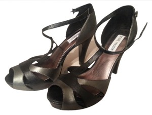 Steve Madden Heels Size8 Sexy Edgy 8 Prom Wedding Bridesmaid silver/black Sandals