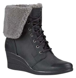 UGG Australia Womens Womens Gifts For Women Womens Winterwear Black Boots