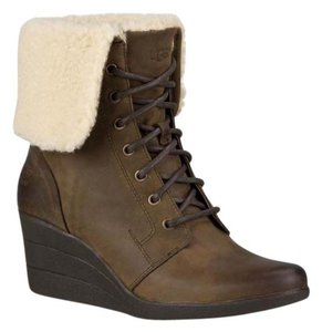 UGG Australia Womens Womens Gifts For Women Womens Winterwear Stout Boots
