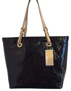 Michael Kors Signature Tote in Black