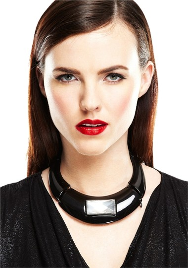 Preload https://item1.tradesy.com/images/resin-collar-with-stone-black-necklace-931660-0-0.jpg?width=440&height=440
