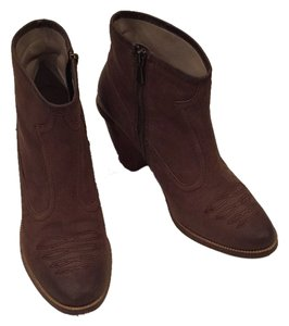 Hinge Brown Boots