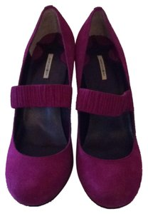 Max Studio Plum Pumps